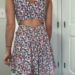 Hollister Dresses - This is great for summer!